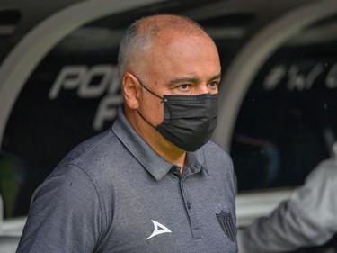 Guillermo Vázquez abandona el banquillo de Necaxa.