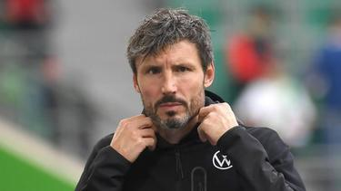 Mark van Bommel trainiert den VfL Wolfsburg