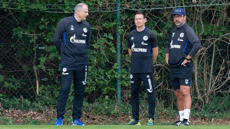 David Wagner (r.) erhielt von Schalkes Sportvorstand Jochen Schneider (l.) erneut die volle Rückendeckung