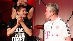 Holten mit dem FCBayern 2013 das Triple: Thomas Müller (l) und Jupp Heynckes