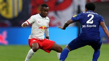 Ademola Lookman (l.) wechselt zum FC Fulham