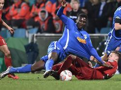 Peniel Mlapa und der VfL spielten im DFB-Pokal 2016 gegen die Bayern