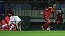 """Manuel Neuer tanzte """"seinen"""" Gegenspieler an der Eckfahne aus"""