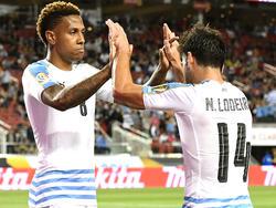 Hernández (izq.) se suma así a la baja de Cavani para el choque con Ecuador. (Foto: Getty)