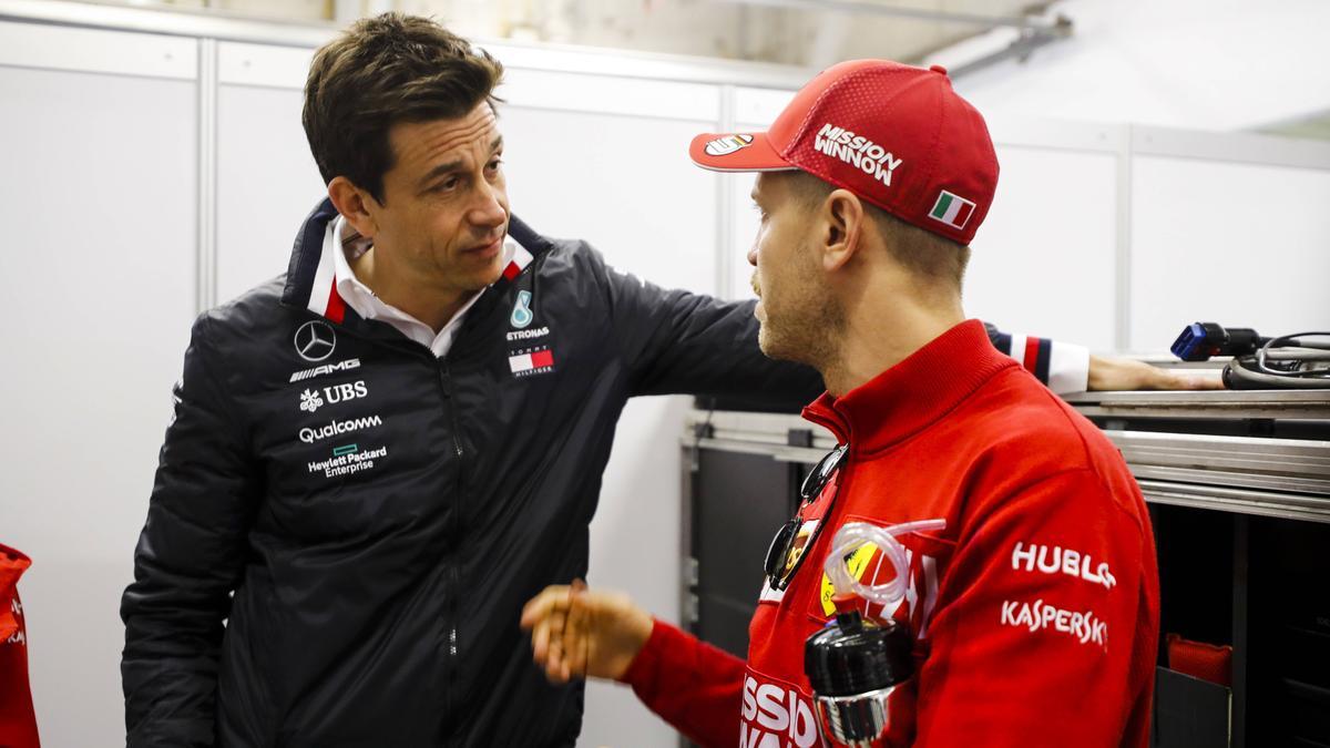Wolff hat Vettel als Außenseiterkandidaten für ein Cockpit bei den Silberpfeilen bezeichnet
