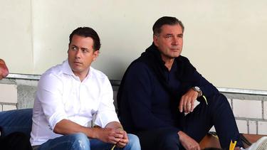Neuer Torhüter für die BVB-Verantwortlichen um Lars Ricken (l.) und Michael Zorc