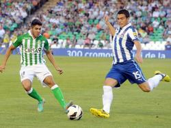 Pozuelo (l.) versucht Héctor Moreno (r.) zu stoppen