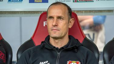 Heiko Herrlich steht bei Bayer Leverkusen mächtig unter Druck