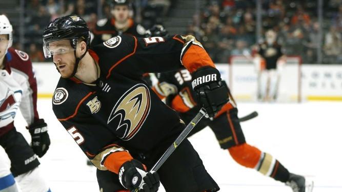 Korbinian Holzer verlor mit den Anaheim Ducks