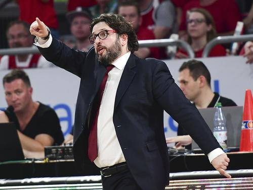 Andrea Trinchieri und seine Bamberger feierten in der EuroLeague den nächsten Sieg