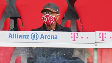 """Auch der """"Kaiser"""" freut sich auf das Duell zwischen dem BVB und dem FC Bayern"""