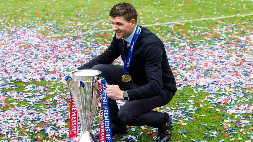 Steven Gerrard holte mit den Rangers den Titel in Schottland