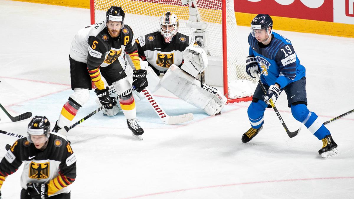 Das DEB-Team hofft bei der Eishockey-WM noch immer auf Bronze