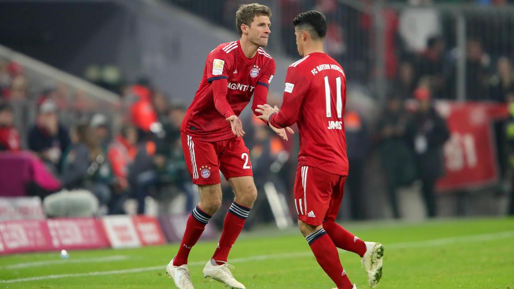 Thomas Müller (l.) und James Rodríguez konkurrieren um einen Stammplatz