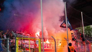 Beim Relegationsspiel gegen Uerdingen sorgten die Waldhof-Fans für einen Abbruch