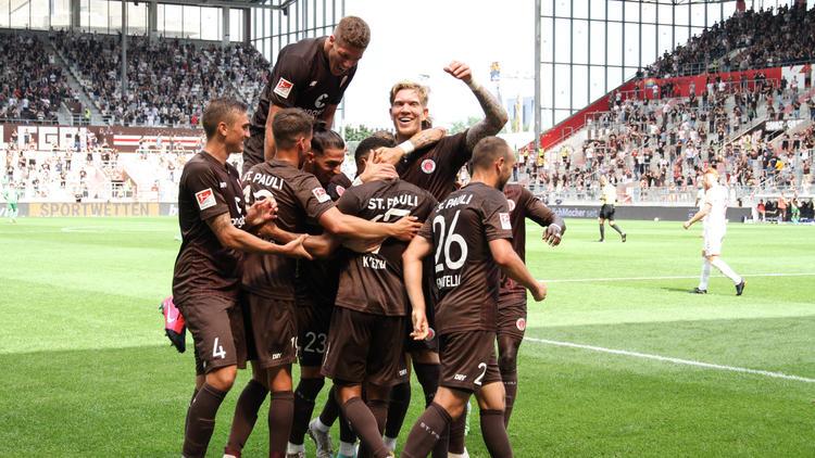 Der FC St. Pauli ist glänzend in die neue Saison gestartet