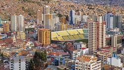 Vistas del estadio Hernando Siles en La Paz, Bolivia.