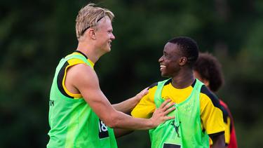 Stehen Erling Haaland und Youssoufa Moukoko bald zusammen für den BVB auf dem Platz?