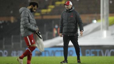 Jürgen Klopp setzt weiter auf die Dienste von Mohamed Salah (l.)