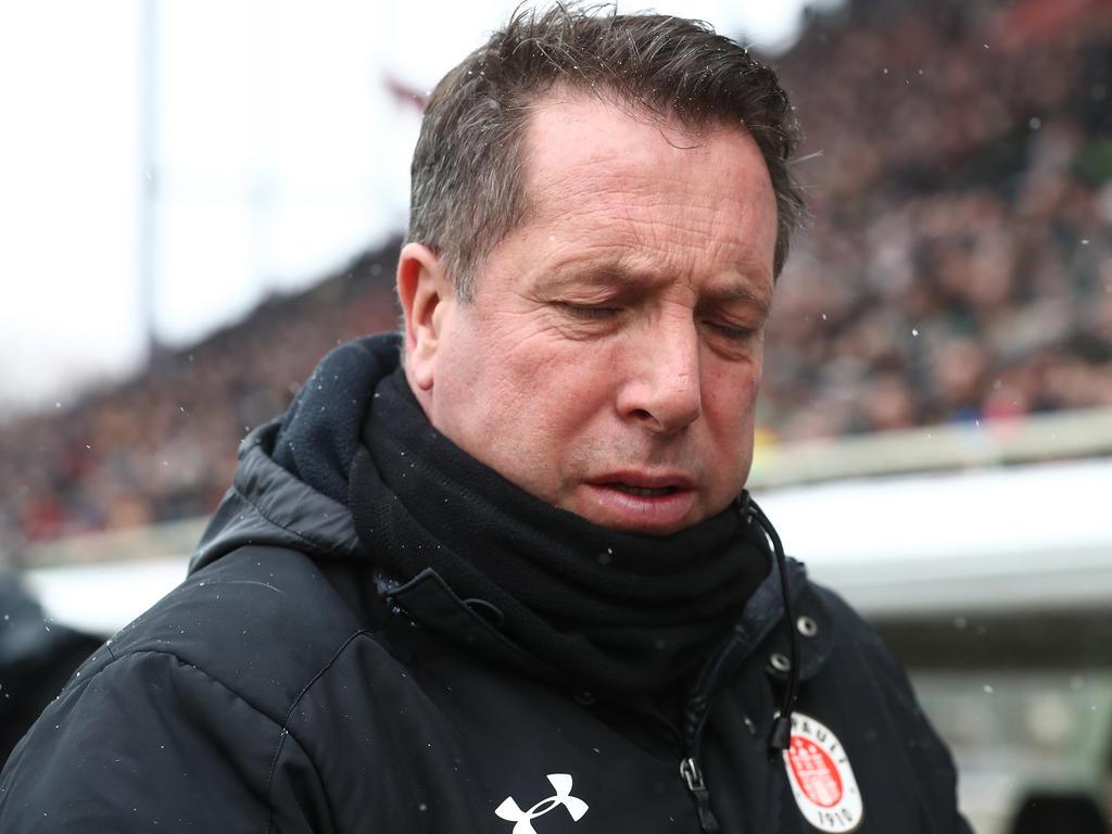St. Pauli-Trainer Markus Kaucinzki musste eine empfindliche Niederlage einstecken