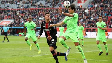 Hannover führte bis kurz vor Schluss gegen die Werkself um Kai Havertz (l.)