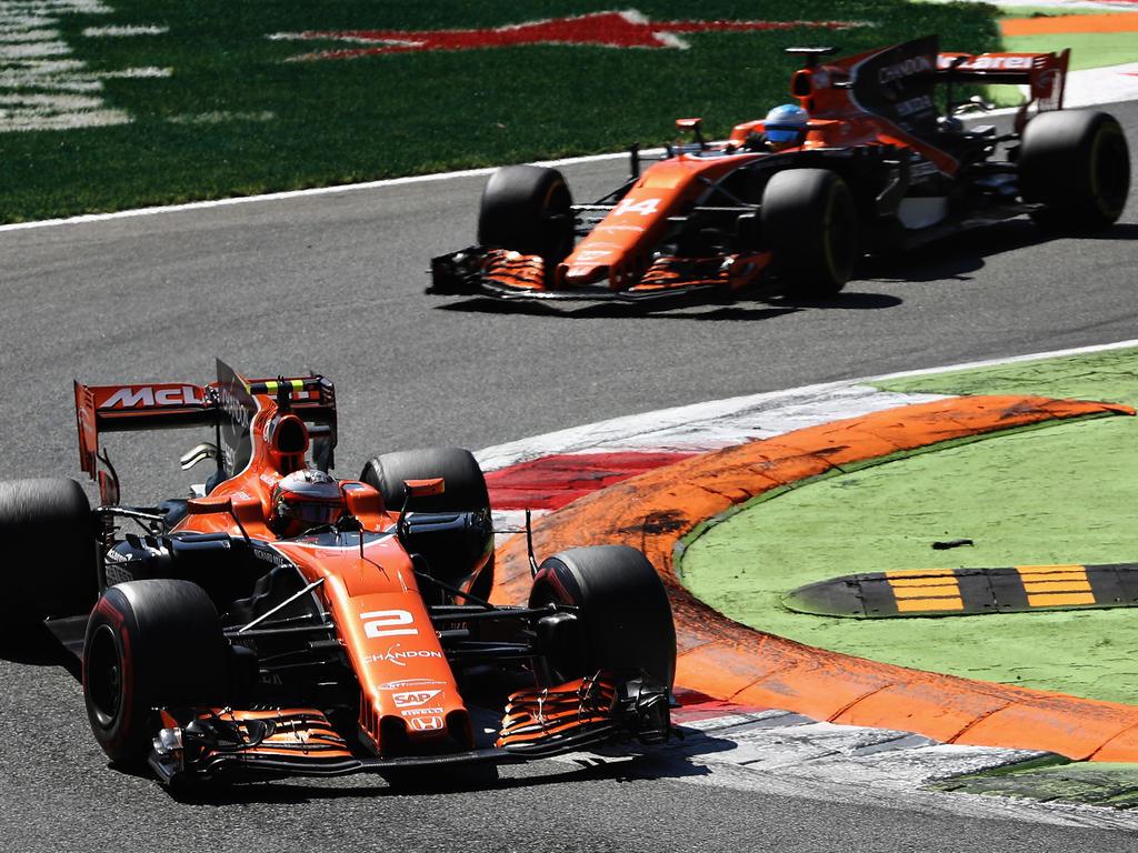 Ungewohntes Bild: Vandoorne vor McLaren-Teamkollege Alonso