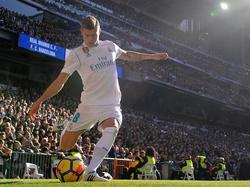 Kroos saca un córner en el Bernabéu ante el Barcelona. (Foto: Getty)
