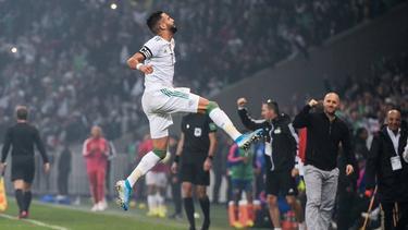 Mahrez anotó un doblete y asistió para el tercer gol.