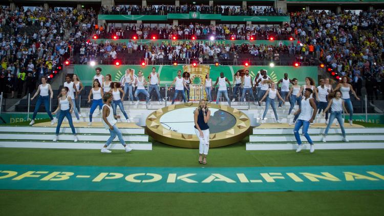 Helene Fischer sang 2017 in der Halbzeitpause des deutschen Pokalfinales