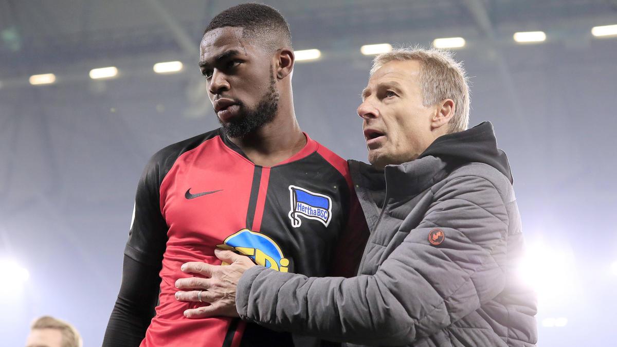 Jordan Torunarigha (l.) wurde von Jürgen Klinsmann beruhigt