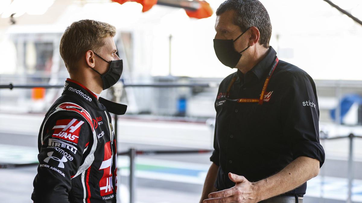 Mick Schumacher (l.) wird 2021 für Haas an den Start gehen