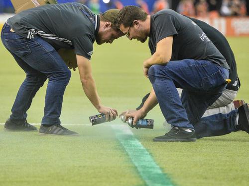 MLS: Schiedsrichter entdecken zu kleinen Strafraum