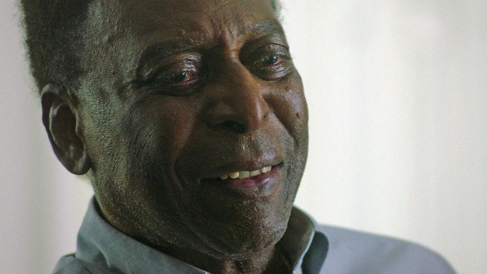 Pelé wurde ein Darm-Tumor entfernt