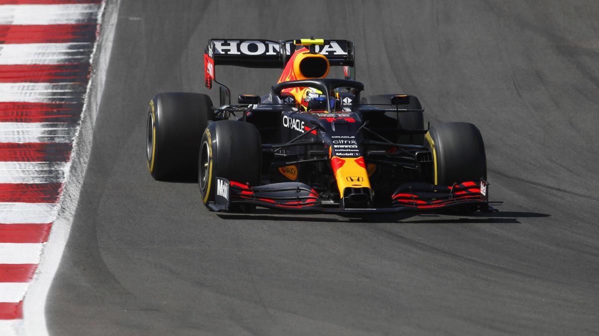 Sergio Pérez fuhr einen langen ersten Stint auf Medium-Reifen