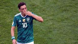 Mesut Özil hatte in drei Tweets scharfe Kritik am DFB, an Sponsoren und auch an seiner früheren Schule geübt