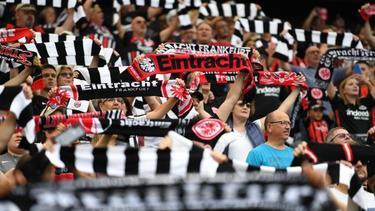 Das Frankfurter Stadion soll nach Meinung der Eintracht bald wieder voll sein