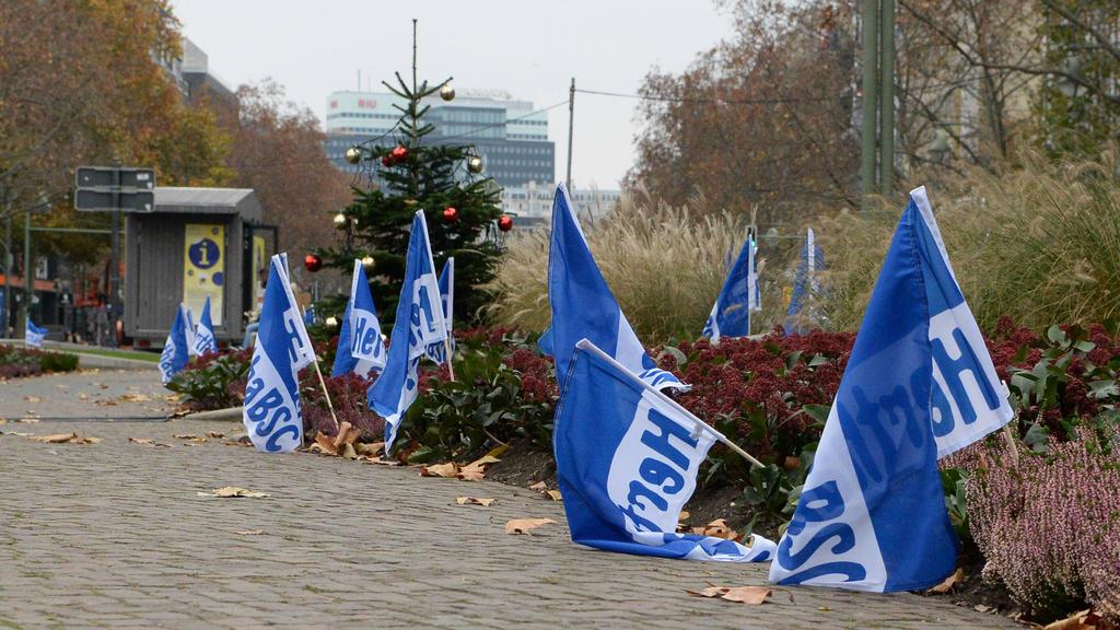 Das Berliner Ordnungsamt wurde eingeschaltet, da die Fahnen-Aktion der Hertha nicht genehmigt war