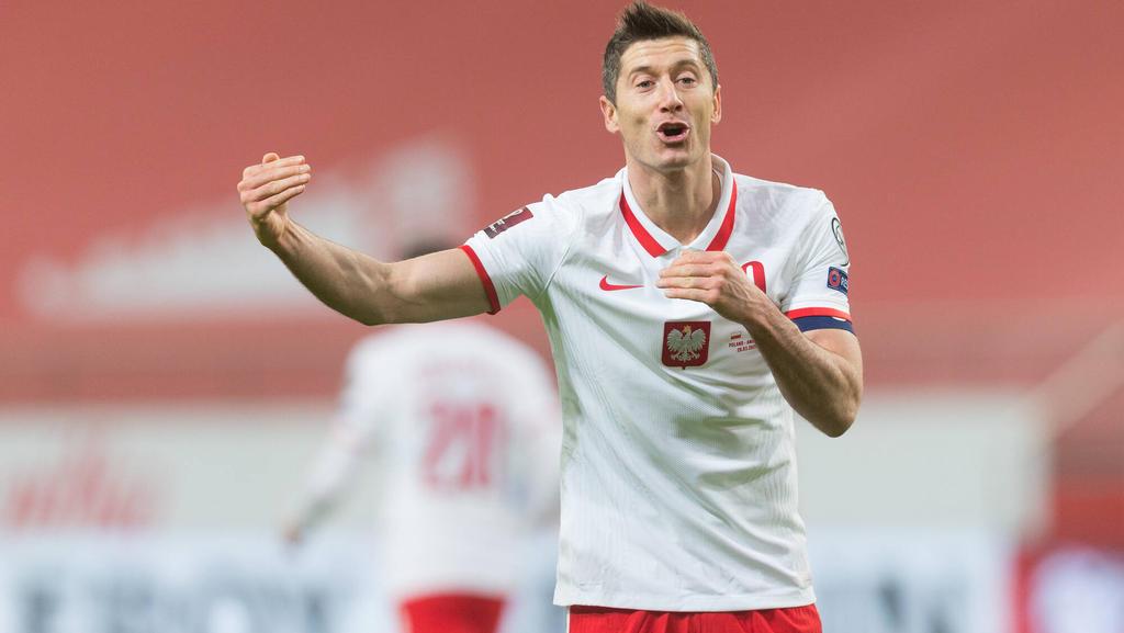 Robert Lewandowski vom FC Bayern wird gegen Corona geimpft