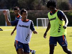 Quique González im Training mit Manucho