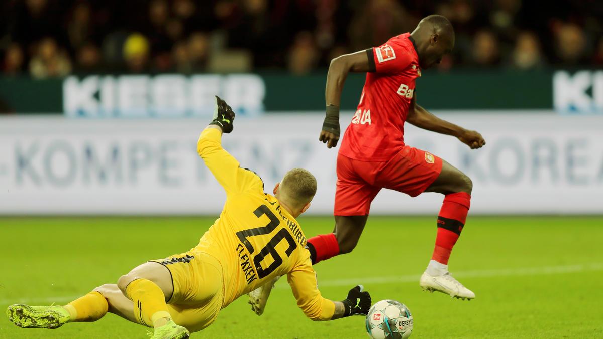 Moussa Diaby (r.) zeigte ein starkes Startelfedbüt für Bayer Leverkusen