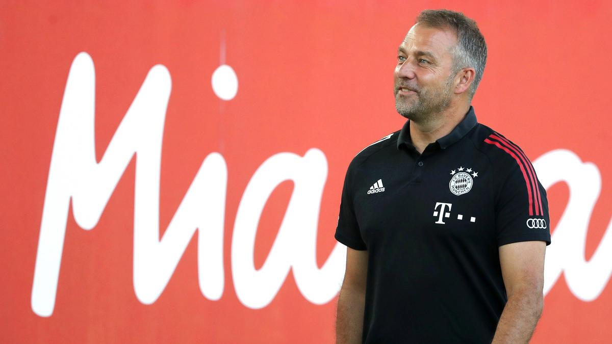 Hansi Flick muss beim FC Bayern vorerst ohne Benjamin Pavard auskommen