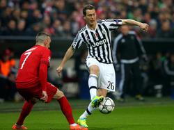 Lichtsteiner gegen Ribery