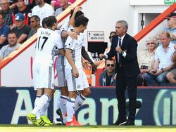 ManU-Trainer José Mourinho feiert das Tor von Zlatan Ibrahimović gegen Bournemouth
