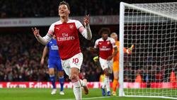 Özil brilló con un gol y una asistencia. (Foto: Getty)