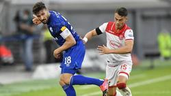Der Schalker Daniel Caligiuri (l.) setzt nun in der Krise auf den Kampfgeist