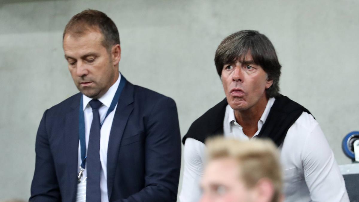 Hansi Flick freut sich für Joachim Löw