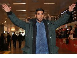 Aras Özbiliz landt op luchthaven Atatürk in Istanboel om de onderhandelingen met Beşiktaş af te ronden. (21-01-2016)