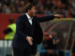 Trainer Kosta Runjaic will mit dem 1. FC Kaiserslautern aufsteigen