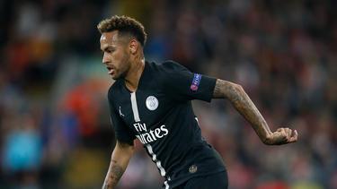 Neymar brilló en París con un triplete. (Foto: Getty)