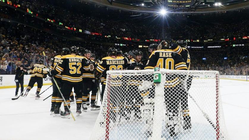 Spiel eins geht an die Boston Bruins